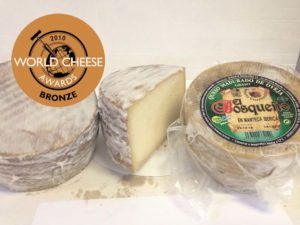 queso de oveja curado en manteca